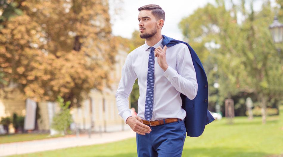 Blažek magazín: Jak přežít cestování bez zmačkaného obleku