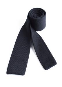 Kravata informal regular, barva černá