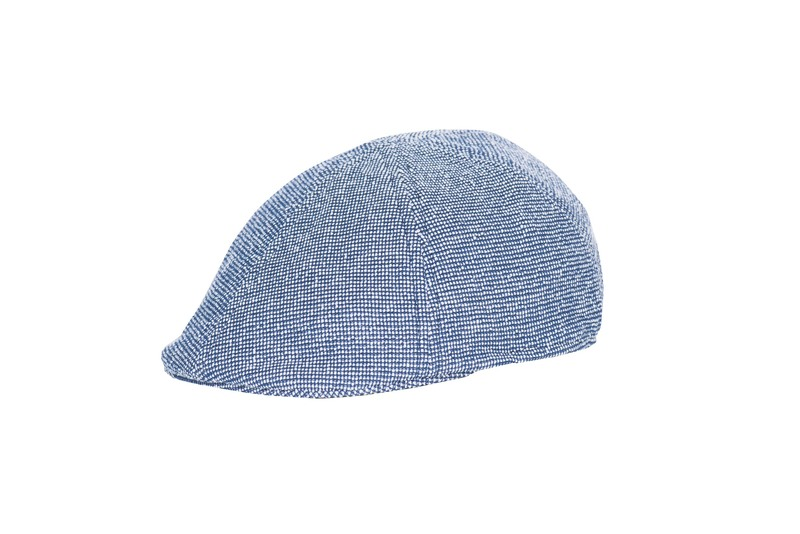 Stylová čepice S modrobílým vzorem