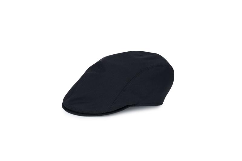 Čepice informal, barva černá