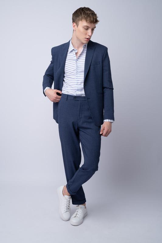 Oblekové sako V neformálním střihu
