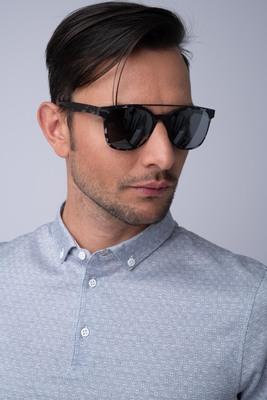 Sluneční brýle S lehkými pohodlnými obroučkami