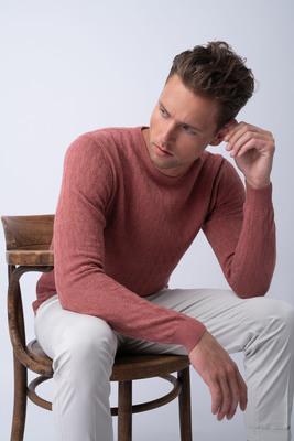 Neformální svetr S jemným vzorem