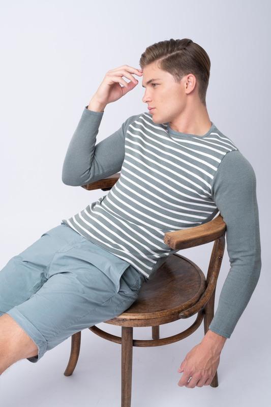 Letní svetr V extra slim střihu
