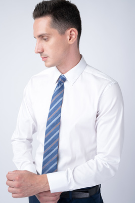 Bílá košile V extra slim střihu