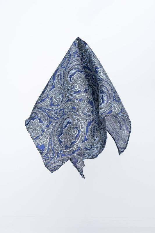 Formální kapesníček S výrazným vzorem