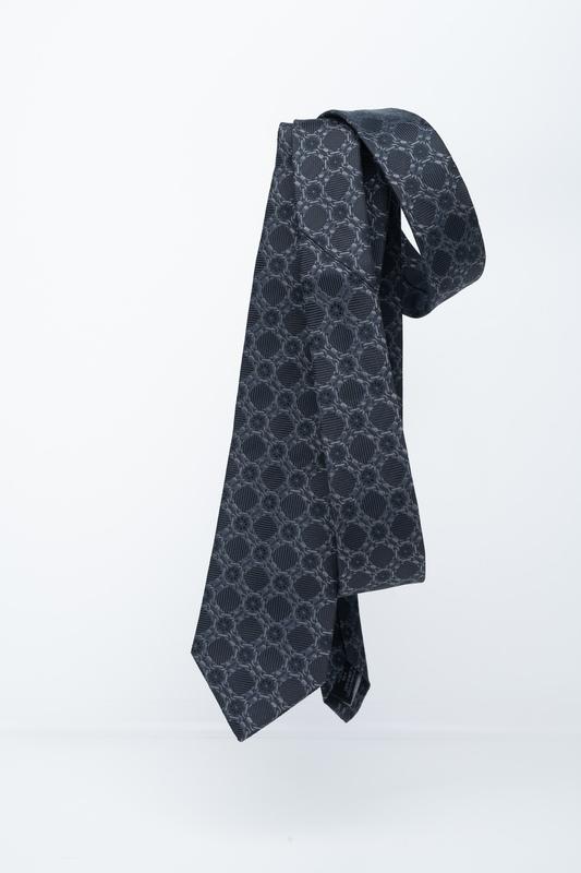 Formální kravata S výrazným vzorem