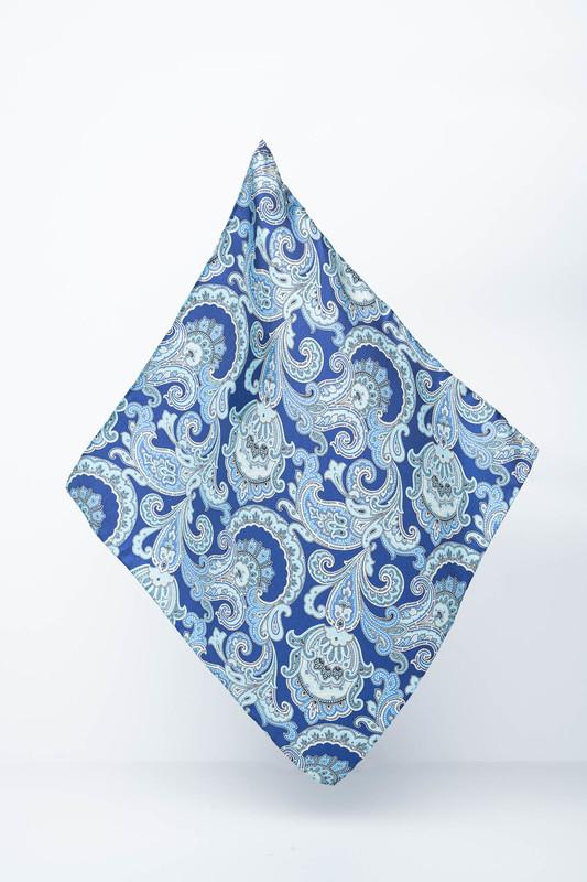 Hedvábný kapesníček S výrazným vzorem