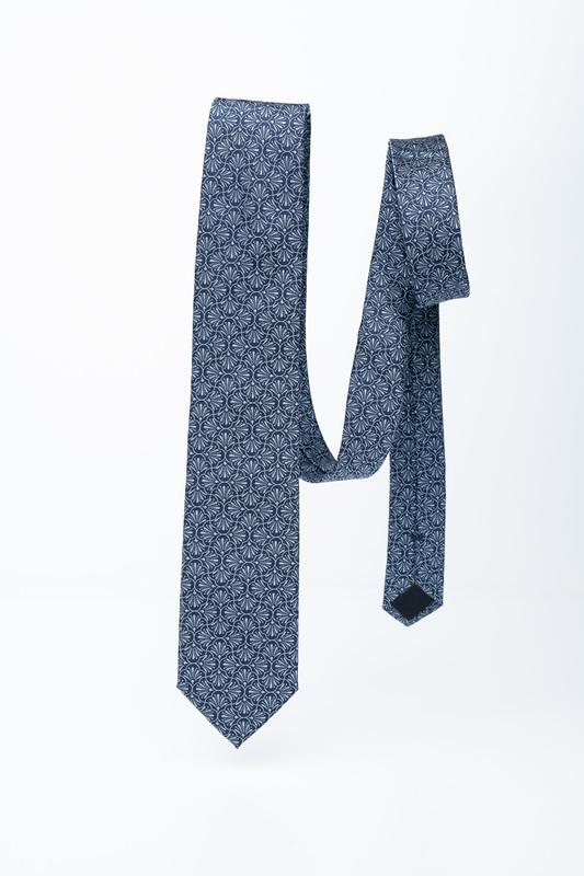 Hedvábná kravata S decentním vzorem