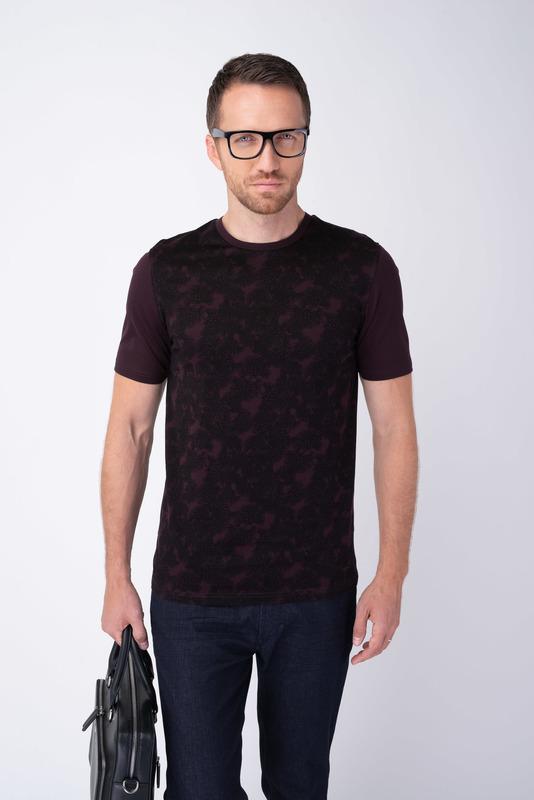 Vínové triko S florálním vzorem
