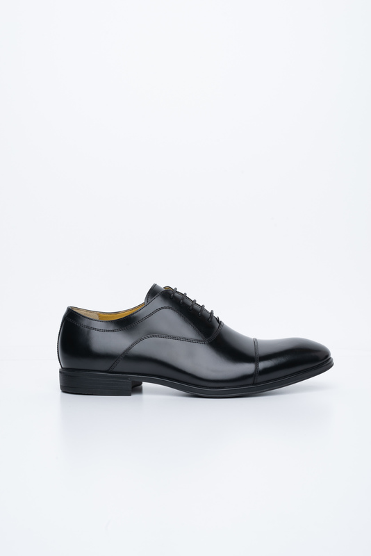 Černé polobotky Vhodné k obleku